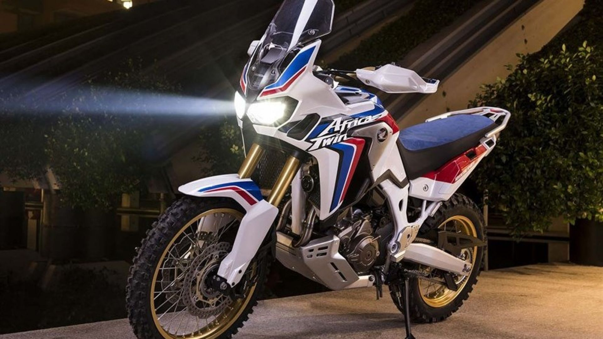 honda africa twin adventure  votata all u0026 39 off