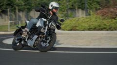 Honda CB 125R durante il test