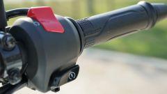 Honda CB 125R: il blocchetto elettrico destro