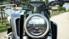 Honda CB 125R: il faro anteriore full LED