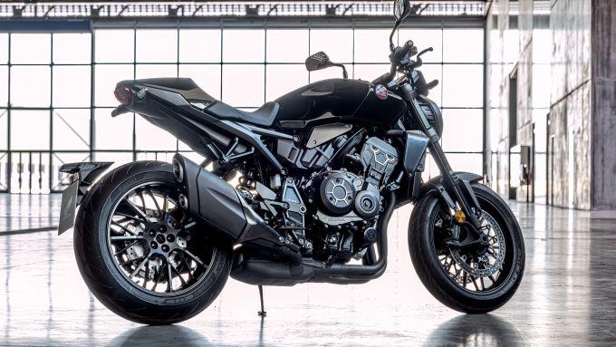 Honda CB1000R 2021: la Black Edition