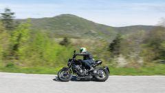 Honda CB1000R Black Edition 2021: agile e divertente tra le curve