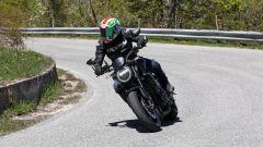 Honda CB1000R Black Edition 2021: il faro a LED anteriore non è più tondo ma a goccia