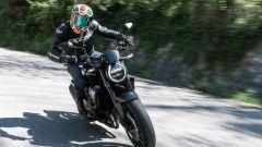 Honda CB1000R Black Edition 2021: il mini cupolino non offre protezione aerodinamica