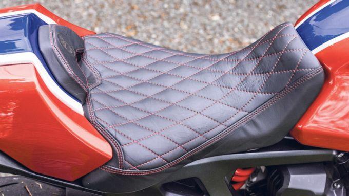 Honda CB1000R: la sella della 5Four