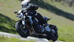 Honda CB1000R: un momento del test su strada
