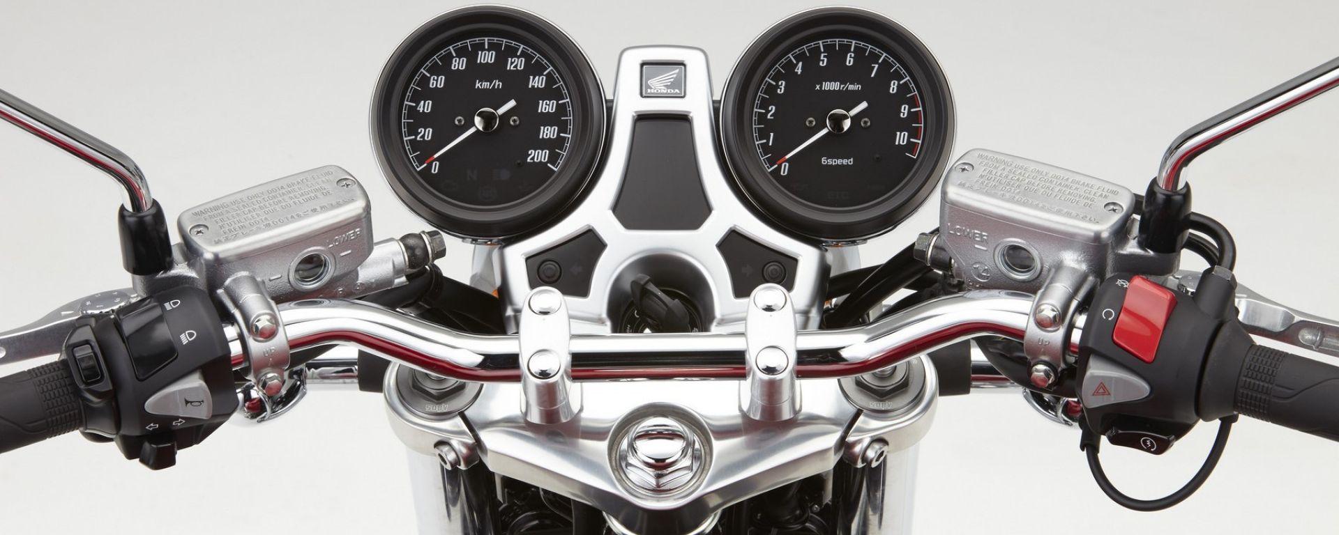 Honda CB1100 EX 2017: il quadro strumenti