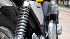 Honda CB1100 EX: gli ammortizzatori posteriori sono regolabili nel precarico molla
