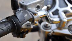 Honda CB1100 EX: i comandi al manubrio, lato sinistro