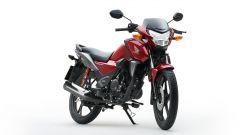 Honda CB125F 2021 nella colorazione rossa