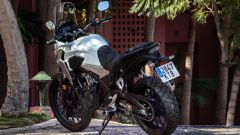 Honda CB500X 2019: 3/4 posteriore