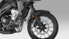 Honda CB500X 2019: dettaglio cerchio a 7 razze sdoppiate