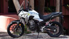 Honda CB500X 2019: vista laterale