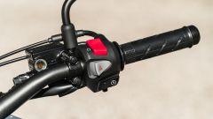 Honda CB500X 2021: i blocchetti elettrici sono ordinati e ben fatti
