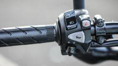 Honda CB650F: dettaglio dei comandi al manubrio
