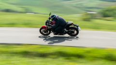 Honda CB650R 2021: è stabile, ma preferisce il veloce allo stretto