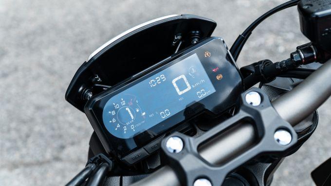 Honda CB650R 2021: il display LCD