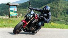 Honda CB650R 2021: in piega