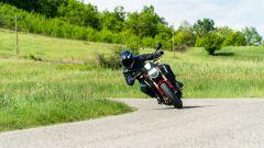 Honda CB650R 2021, prova su strada: come va, pregi e difetti