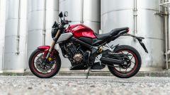 Honda CB650R 2021: vista laterale