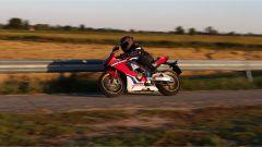 Honda CBR 1000 RR Fireblade SP 2019: il manubrio spiovente non agevola la discesa in piega