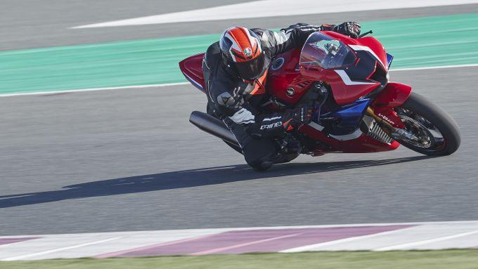 Honda CBR 1000 RR-R Fireblade 2020: in azione a Losail