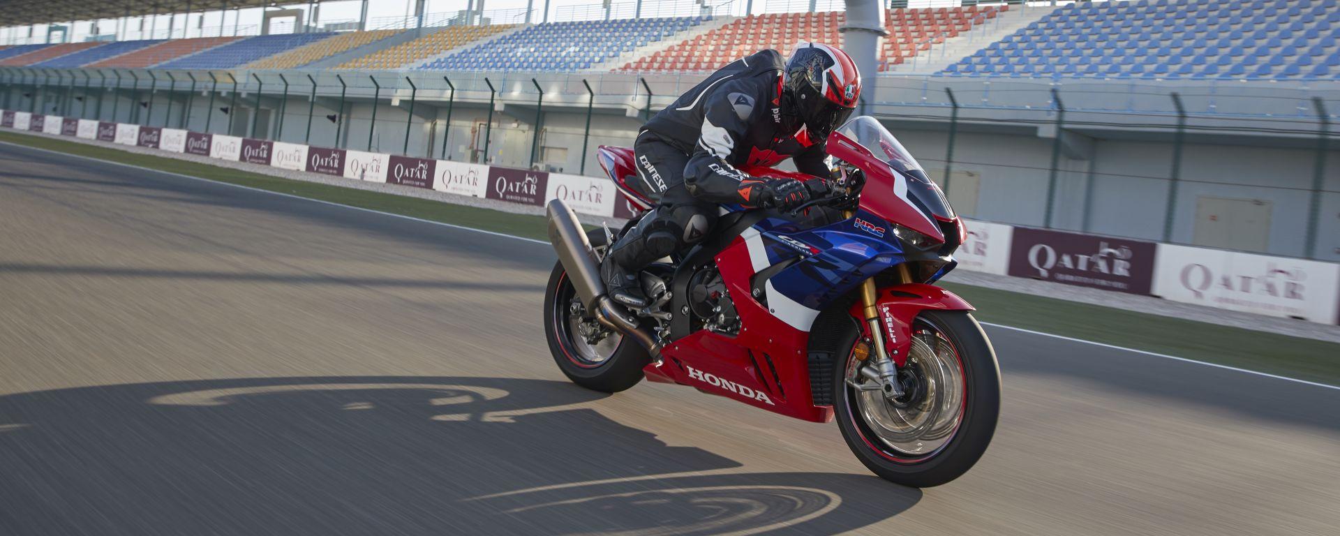 Honda CBR 1000 RR-R Fireblade 2020: la prova in pista