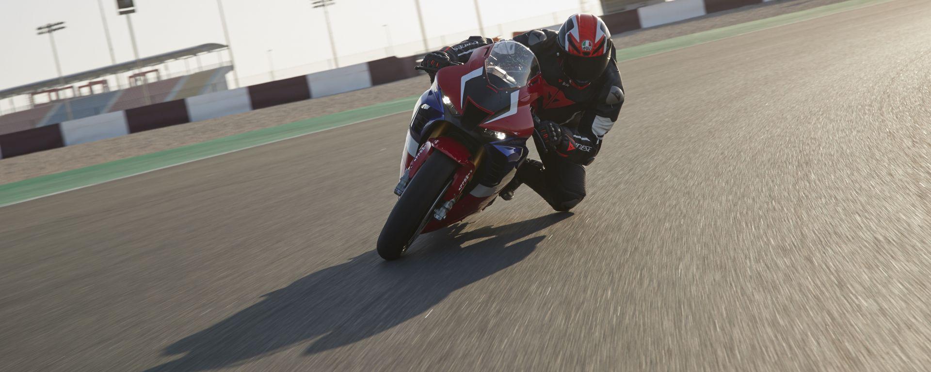 Honda CBR 1000 RR-R Fireblade 2020: attacco al potere. La prova video
