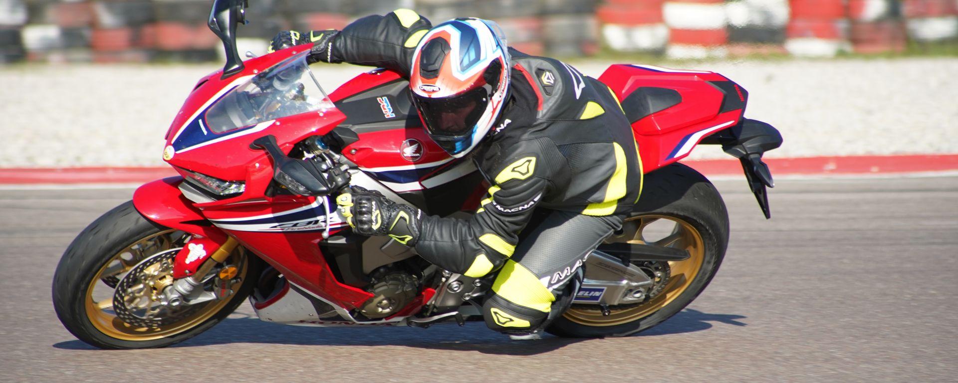 Honda CBR 1000RR Fireblade SP1: in piega