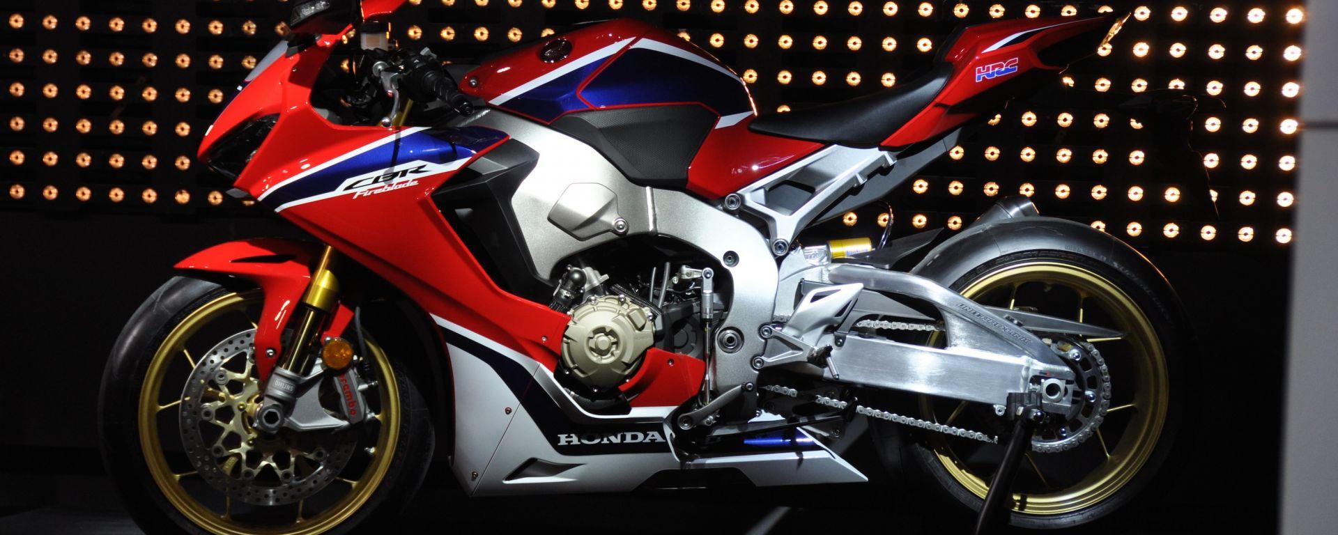 Honda CBR1000RR Fireblade SP e SP2 2017, la lama di fuoco è tornata