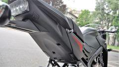 Honda CBR650F: dettaglio della maniglia per il passeggero