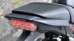 Honda CBR650F: le maniglie per il passeggero sono perfettamente integrate nel codone