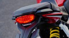 Honda CBR650R 2019: il faro posteriore a LED