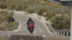 Honda CBR650R 2019: in staccata