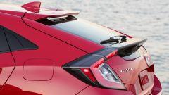 Honda Civic 5 porte 2017: dettaglio degli spoiler in coda