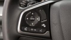 Honda Civic 5 porte 2017: dettaglio dei comandi vivavoce
