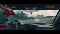 Honda Civic Type R: la sfida tra pilota professionista e gamer