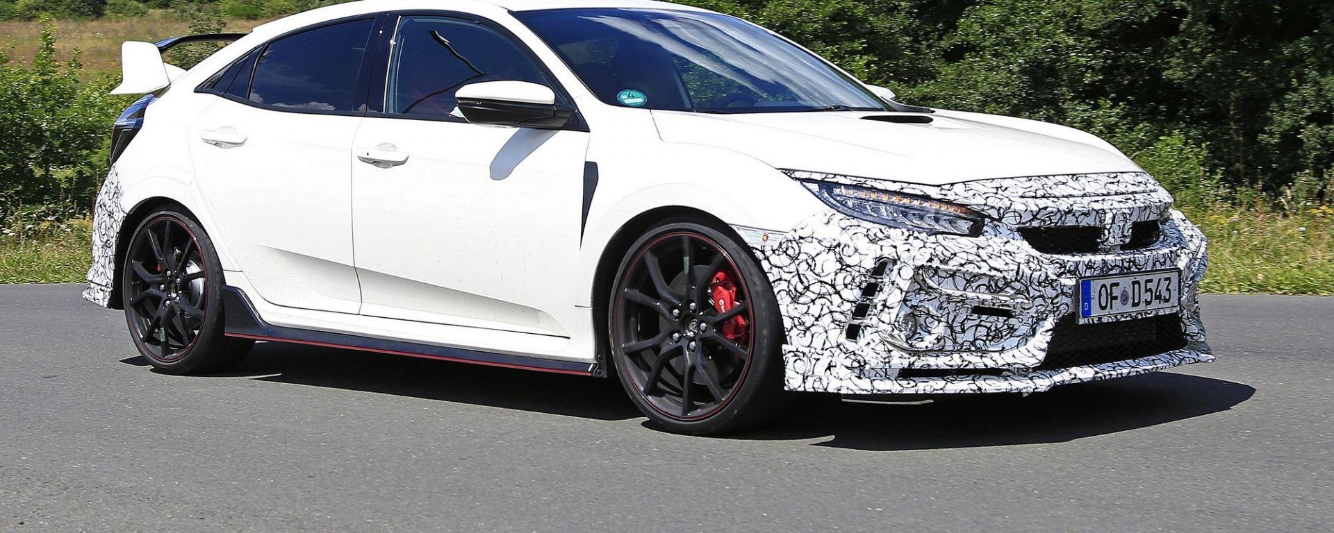 Honda Civic Type R, le foto spia del facelift 2019