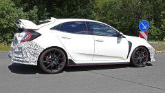 Honda Civic Type R, è già tempo di restyling. Le foto spia - Immagine: 3