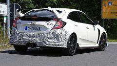 Honda Civic Type R, è già tempo di restyling. Le foto spia - Immagine: 7