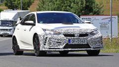 Honda Civic Type R, è già tempo di restyling. Le foto spia - Immagine: 10
