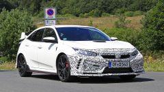 Honda Civic Type R, è già tempo di restyling. Le foto spia - Immagine: 11