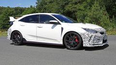Honda Civic Type R, è già tempo di restyling. Le foto spia - Immagine: 12