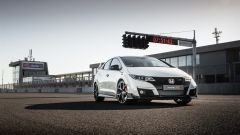 Honda Civic Type R vs Ford Focus RS in pista: guarda il video  - Immagine: 4