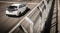 Honda Civic Type R vs Ford Focus RS in pista: guarda il video  - Immagine: 6