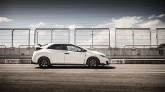 Honda Civic Type R vs Ford Focus RS in pista: guarda il video  - Immagine: 7