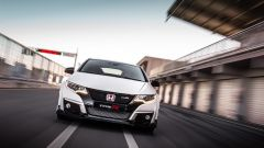 Honda Civic Type R vs Ford Focus RS in pista: guarda il video  - Immagine: 8