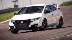 Honda Civic Type R vs Ford Focus RS in pista: guarda il video  - Immagine: 11