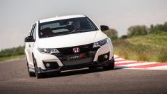 Honda Civic Type R vs Ford Focus RS in pista: guarda il video  - Immagine: 12