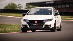 Honda Civic Type R vs Ford Focus RS in pista: guarda il video  - Immagine: 13